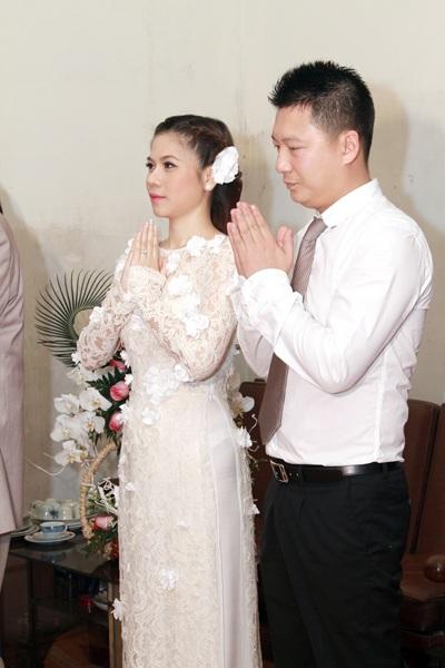 Vợ chồng Mỹ Dung làm lễ