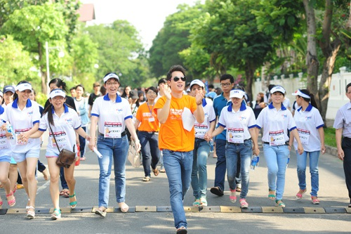 Trấn Thành, Đăng Khôi đi bộ vì trẻ nghèo