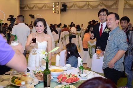 Chú rể đi từ Nam Định lên Hà Nội đón dâu