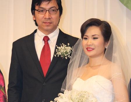 Chú rể chỉn chu bên cô dâu xinh đẹp
