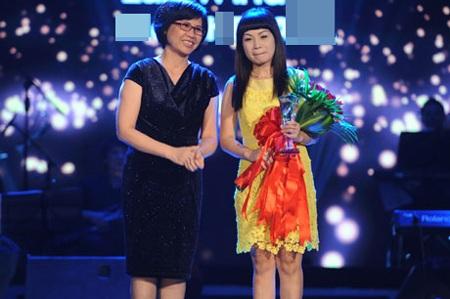 Ngọc Khuê nhận giải Bài hát yêu thích tháng 4