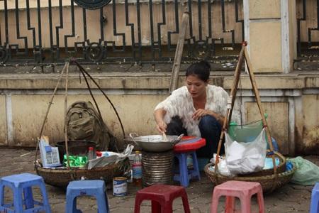 Trang Trần bán bún, vá xe