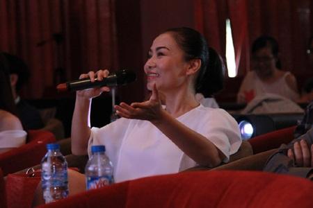 Ca sỹ Thu Minh tới chúc mừng Hương Tràm