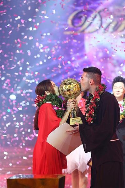 Yến Trang giành ngôi Quán quân Bước nhảy Hoàn vũ