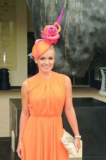 Katherine Jenkins rực rỡ sắc cam