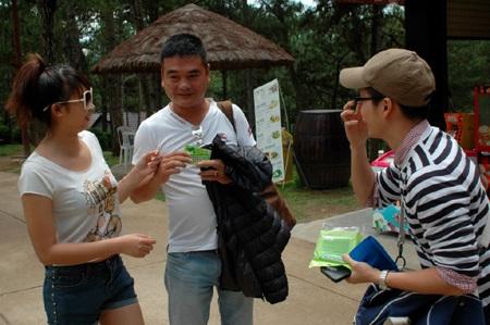 Thùy Trang giận Thanh Tú kém ga-lăng