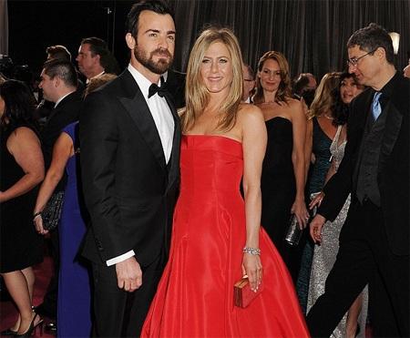Jennifer Aniston và bạn traiJustin Theroux