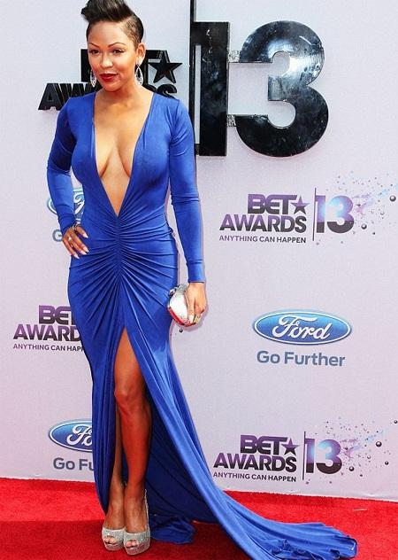 Nữ diễn viên Meagan Good táo bạo với váy xẻ sâu không áo lót