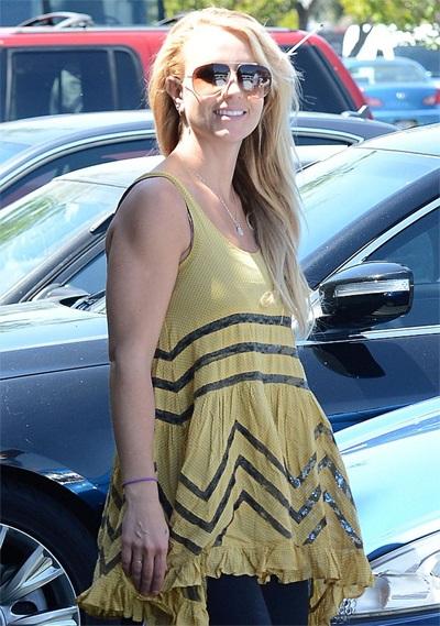 Britney ra phố ngày 12/8 vừa qua
