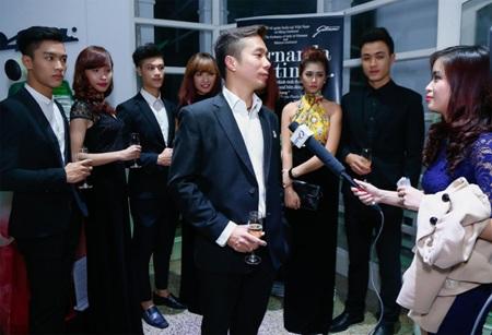 NTK Đỗ Trịnh Hoài Nam trả lời phỏng vấn báo giới