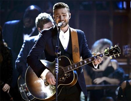 Thưởng thức 2 màn diễn của Justin Timberlake One Direction tại American Music Awards
