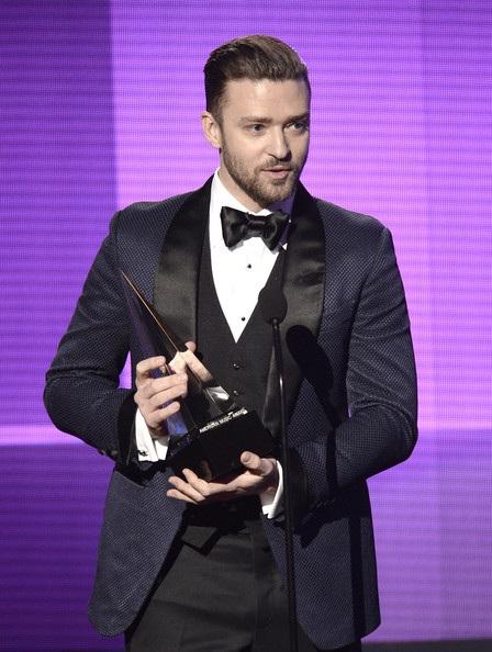 Justin Timberlake nhận giải nam ca sỹ Pop/Rock được yêu thích nhất trong lễ trao giải này