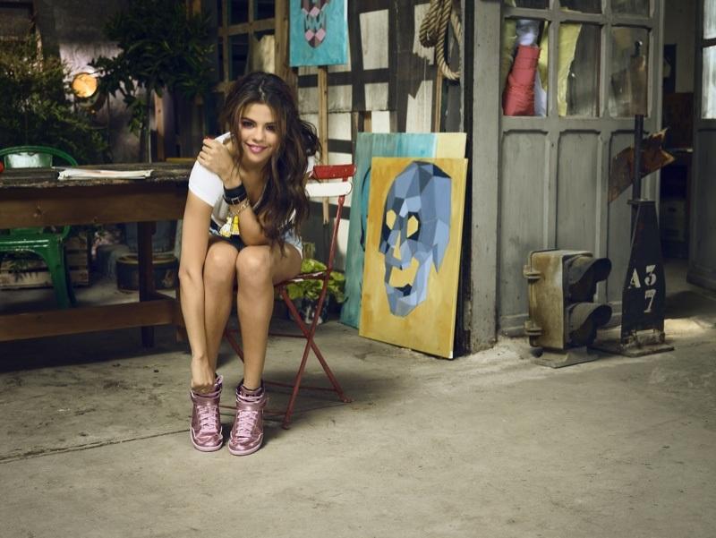 Selena Gomez xinh đẹp trong vai trò người mẫu