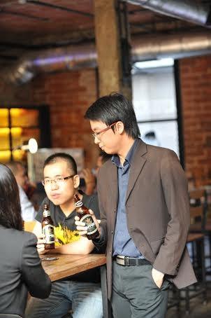Từ trái sang phải: Trần Hữu Tuấn Bách, Tạ Minh Tuấn