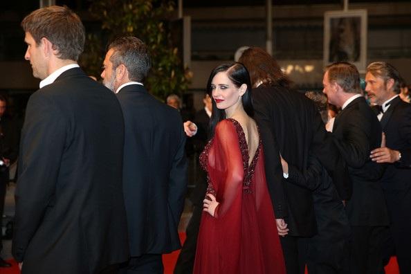 Eva Green dự công chiếu phim mới của cô The Salvation tại LHP Cannes ngày 18/5