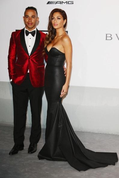 Nicole Scherzinger gợi cảm trên thảm đỏ.