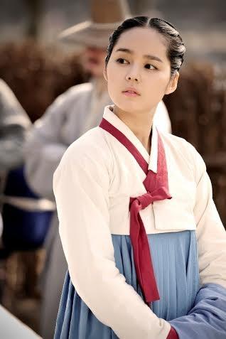 Han Ga In được xem là ngôi sao không tuổi của màn ảnh Hàn