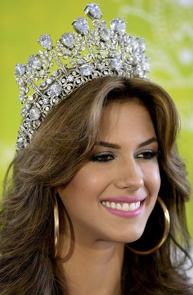 Gương mặt xinh đẹp, kiều diễm của Hoa hậu hoàn vũ Venezuela