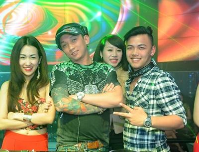 Mai Thỏ khoe sắc cùng các hotgirl đình đám: Linh Rin, Hà Min, Vân Navy