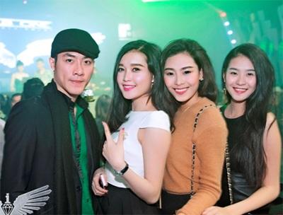 Người ta cũng thấy gương mặt điển trai của Á vương Việt Nam 2010 Hà Trọng Tài cùng bạn bè