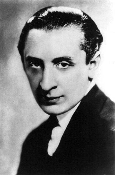 Vladimir Horowitz, một nghệ sĩ piano cổ điển người Mỹ gốc Nga từng giành 25 giải Grammy