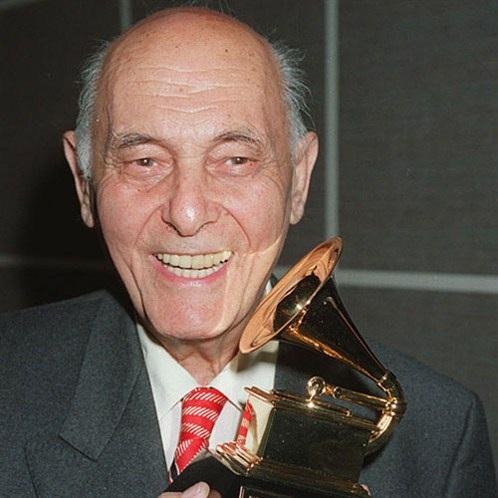 Pierre Boulez -nhà soạn nhạc, nhạc trưởng người Pháp từng giành 26 giải Grammy