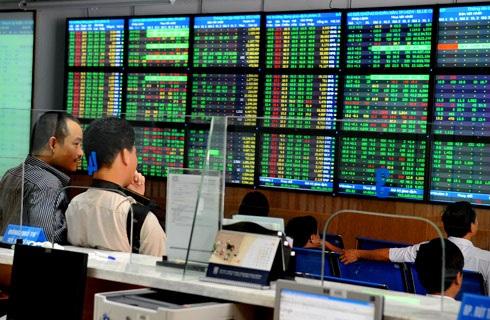 Nhà đầu tư đang rất thận trọng trước quyết định trở lại thị trường.