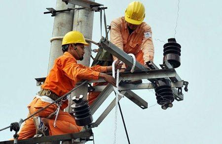 Giá điện làm nóng phiên họp báo Chính phủ thường kỳ tháng 8/2013.