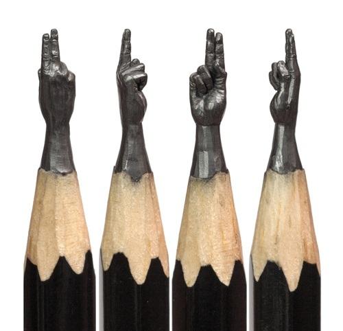 Những bàn tay kỳ diệu được tạo hình sống động bằng ngòi bút chì