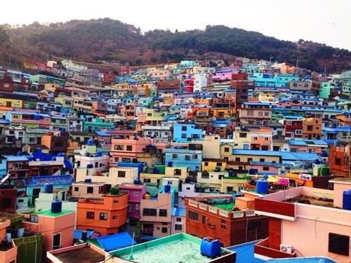 Ngôi làng Lego nằm giữa thành phố biển Busan sầm uất.