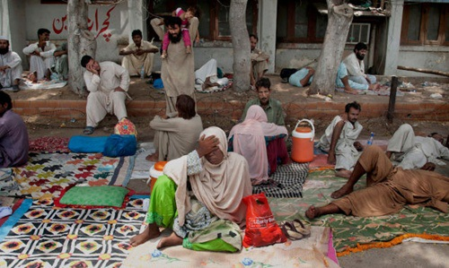 Nắng nóng kỷ lục đe dọa cuộc sống người dân lao động nghèo ở Pakistan.