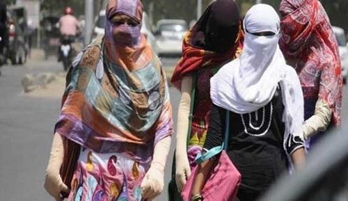 Thời trang chống nóng của phụ nữ Ấn Độ.