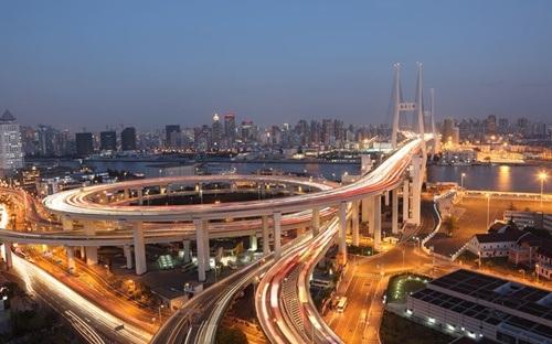 Hà Nội là một trong những nơi có đường giao nhau chóng mặt nhất thế giới