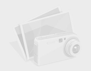 Logo Nexus ở mặt sau. Nexus 7 không được trang bị camera chính ở mặt sau sản phẩm