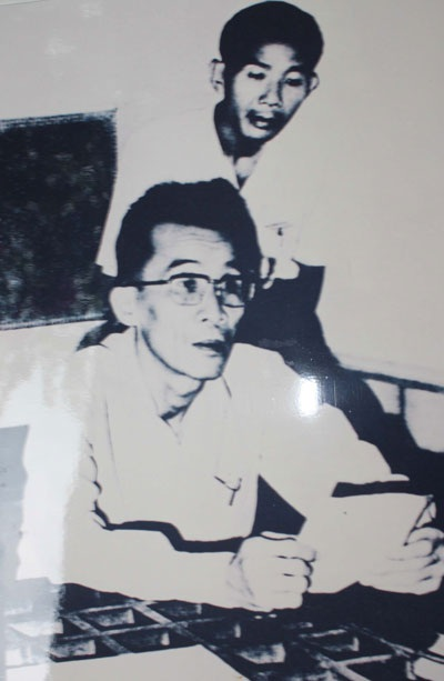 Ông Năm Bình đọc bản tuyên ngôn giải phóng Cần Thơ (ảnh tư liệu)