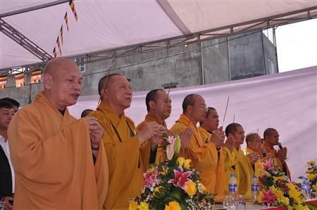 Phó Chủ tịch UBND tỉnh Cao Bằng phát biểu tại buổi lễ.