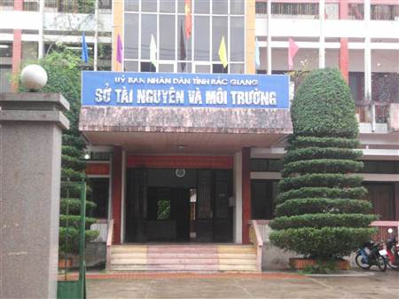 Nhóm cán bộ đánh bạc trong giờ làm việc tại trụ sở Sở Tài nguyên và Môi trường tỉnh Bắc Giang.