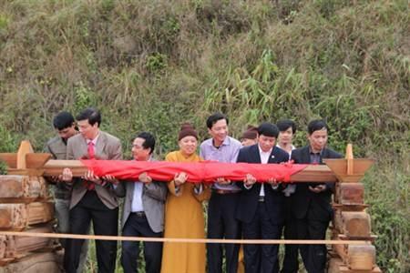 Lễ cất nóc chùa Chùa Ngọa Vân tại Khu di tích nhà Trần.