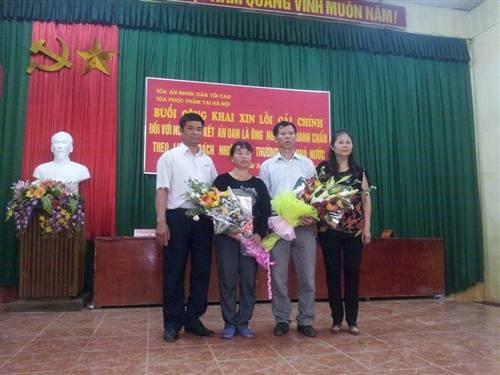 Ông Chấn tại buổi xin lỗi cải chính công khai.
