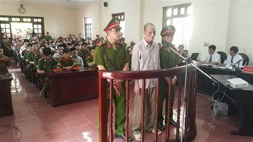 Các bị cáo bị đề nghị một án tù chung thân và mức phạt tù cao nhất 20 năm tù giam.