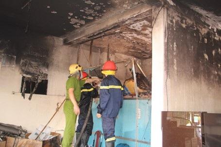 Sau khoảng 10 phút đám cháy đã được dập tắt.