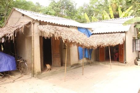 Túp lều của 2 mẹ con bà Tăng