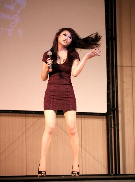 Siêu mẫu Hồng Quế xinh tươi tại True Beauty - 4
