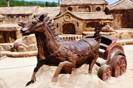 Những chú ngựa làm du lịch luôn là câu chuyện thú vịởĐà Lạt.