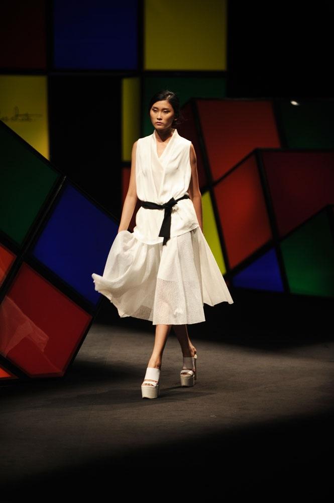 Hơn 50 mẫu thiết kế của Rue des Chats đã được giới thiệu tối qua