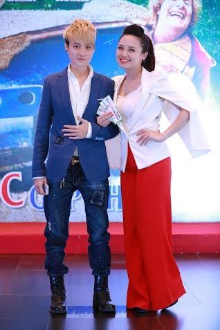 Tomboy Lin Jay và MC Ngọc Trang.