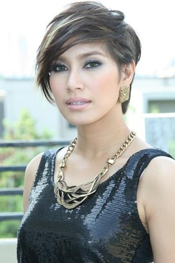 Ngoài vai trò diễn viên, MC, người mẫu, ca sĩ, Benz Pornchita còn là nữ doanh nhân thành đạt