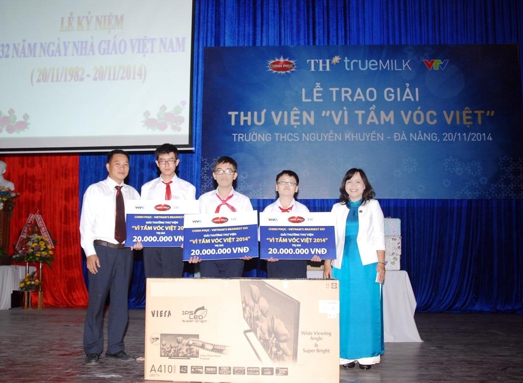 Trường THCS Nguyễn Khuyến - Đà Nẵng nhận giải thư viện Vì Tầm Vóc Việt
