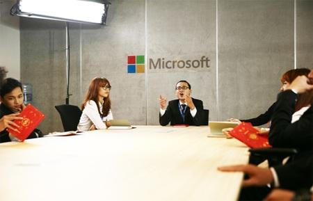 Microsoft Mobile Vietnam xuất hiện trong MV với hình ảnh trẻ trung