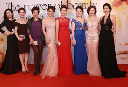 Dàn người đẹp lộng lẫy trên thảm đỏ